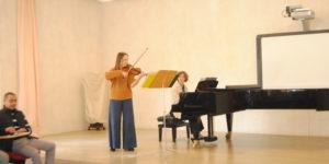 classical music-violin of Astrid Abas and piano of Dorien Verheijden