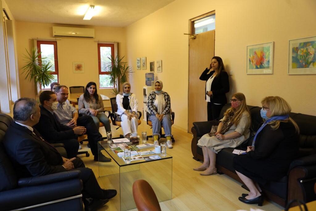 سفيرة سلوفينيا في زيارة لجامعة هليوبوليس